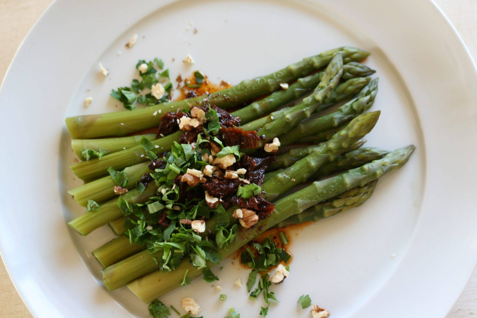 5EF-asparagus_with_driedtomatoes2