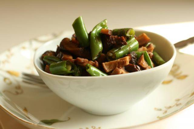 Green Vegetables with Shitake Mushrooms or Bacon and Miso